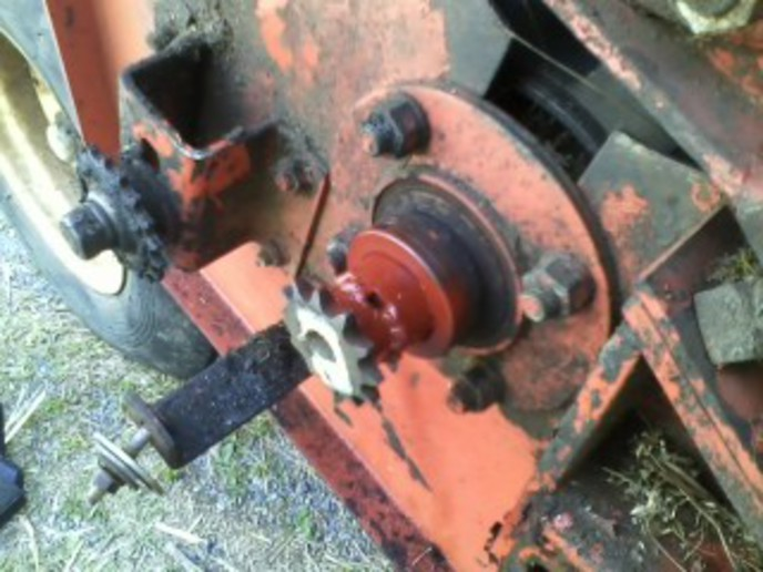 Hesston 1070 Haybine  How The Heck Do I Fix This Sprocket