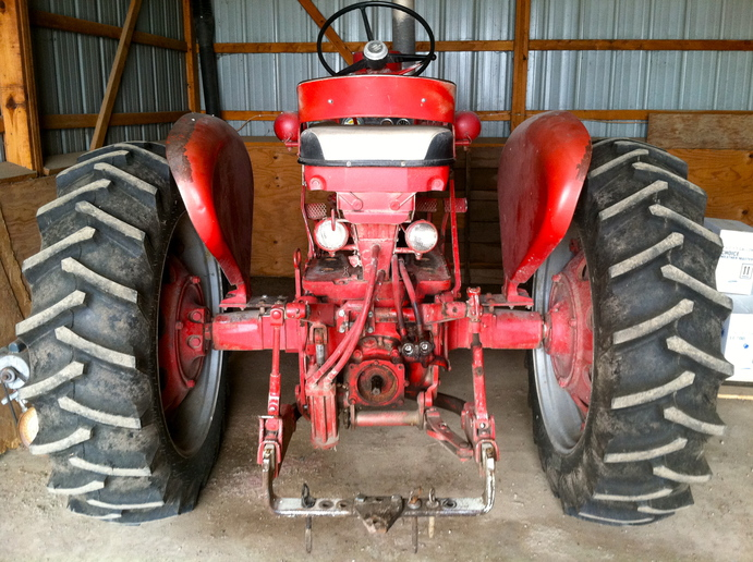 International 560 Fenders : Farmall additional step what do you think