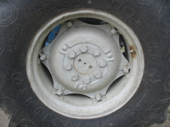 Tractor Wheel Discs : Ford tractor rear wheel disc bing images